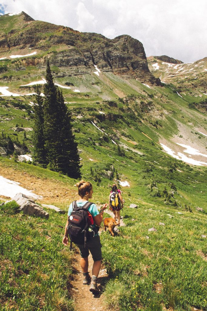 What-to-Wear-During-a-Hiking-Trip-2